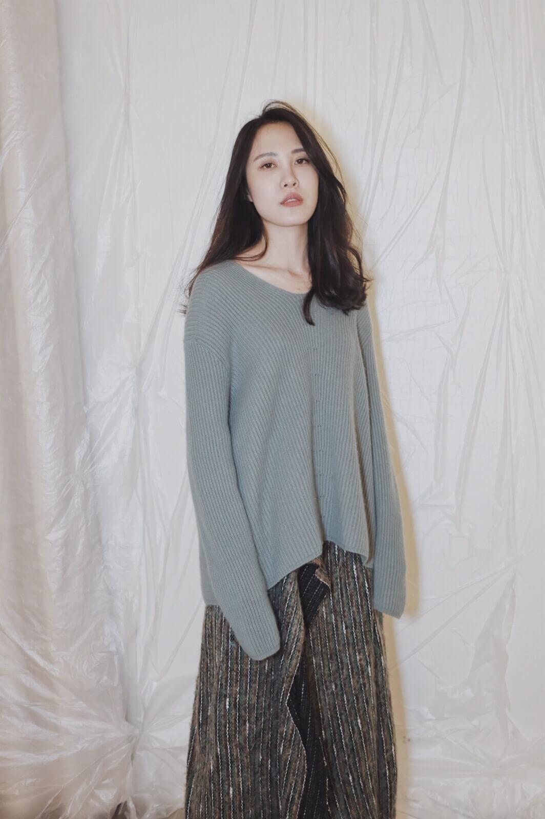DC V領針織毛衣