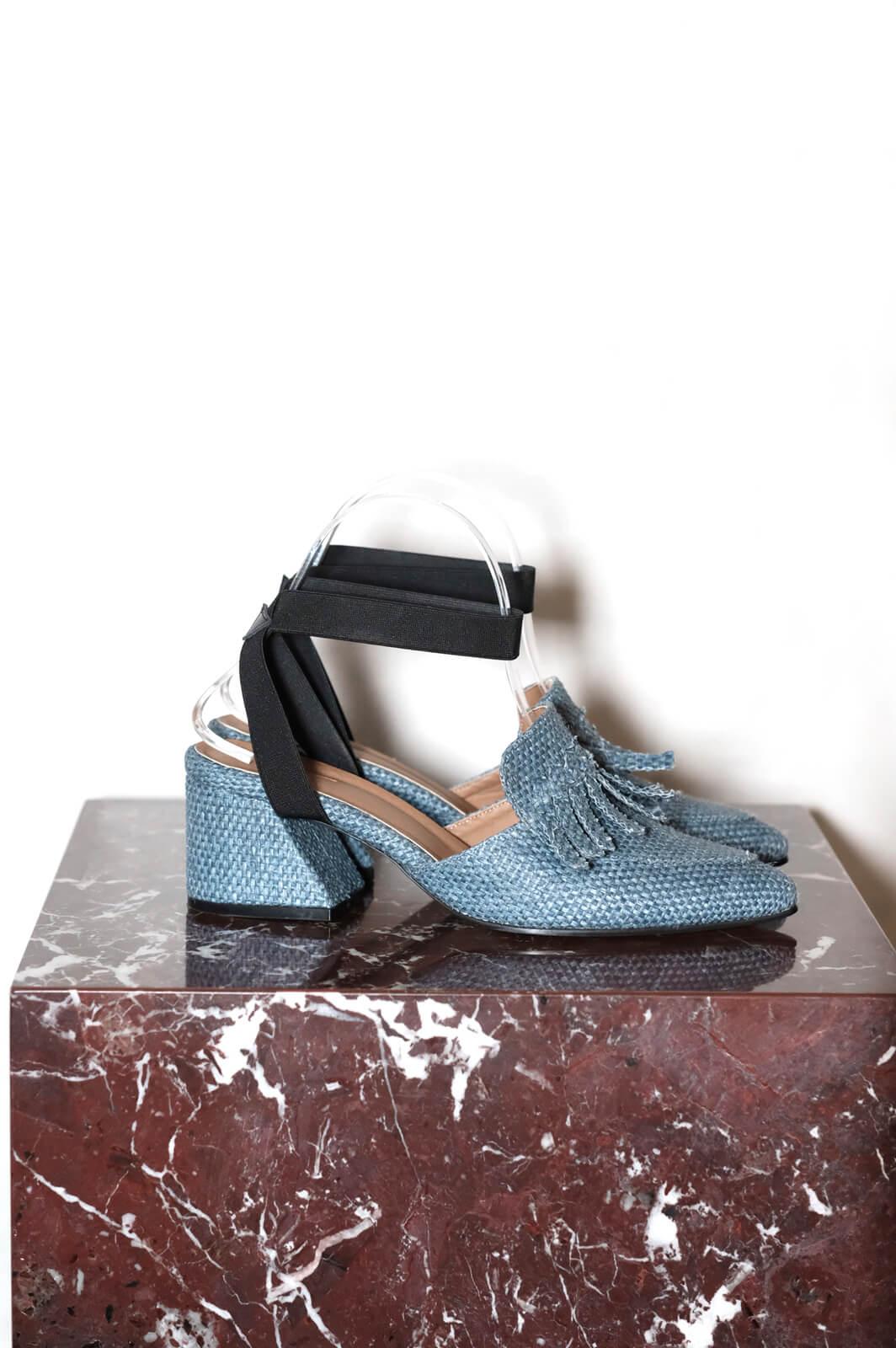 DCApri Sandals