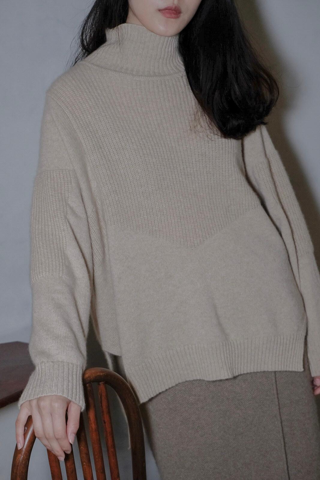 DC梭織拼V毛衣