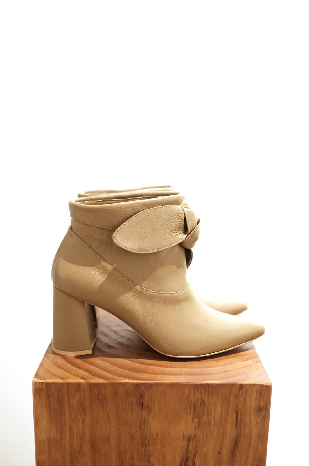 DC Stole Boots