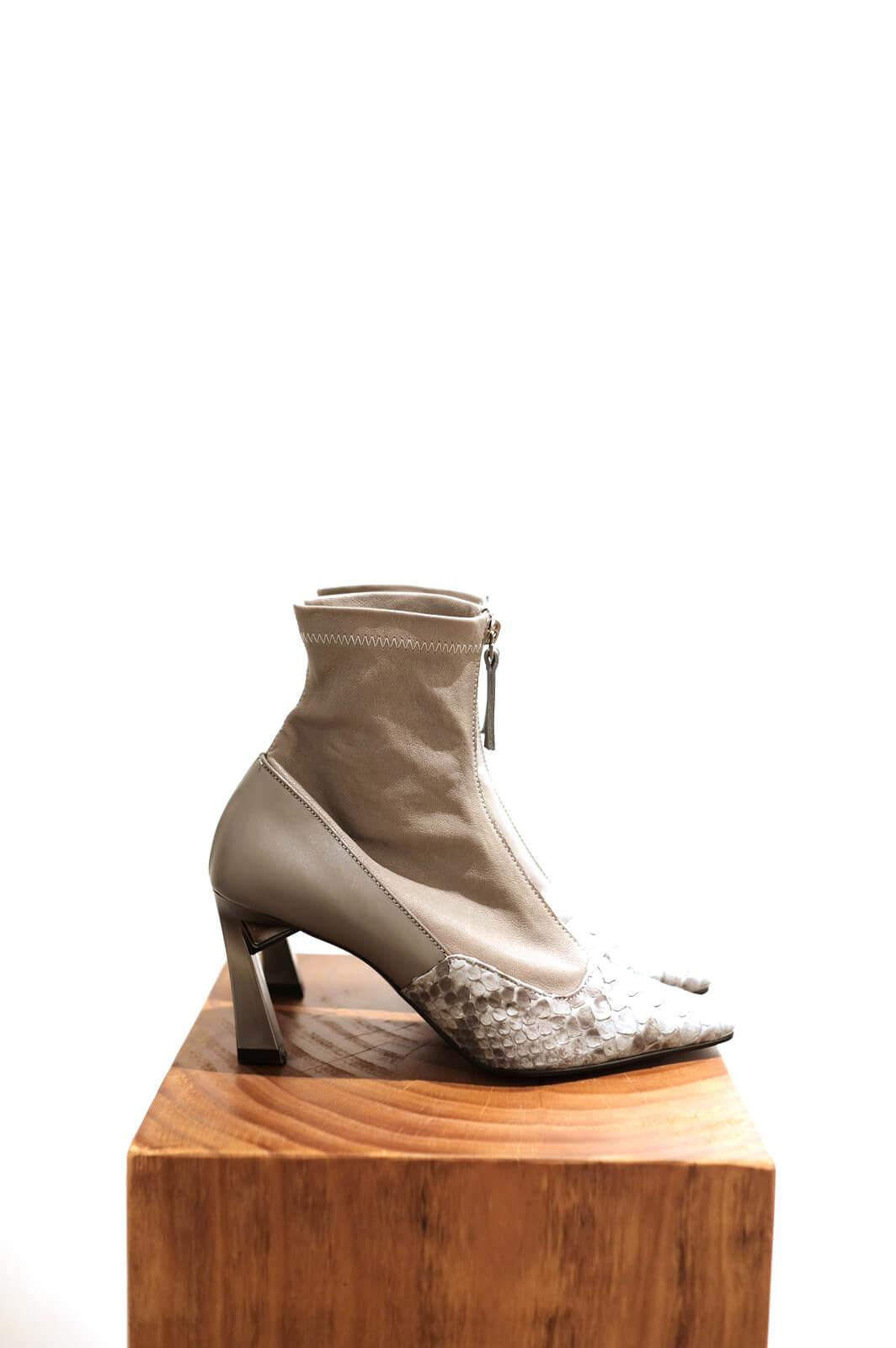 DC Gamma Boots