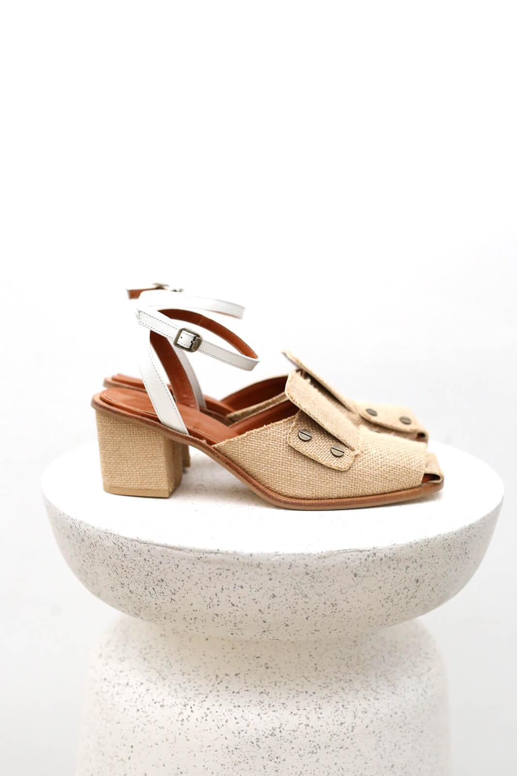 DCYUKA Sandal