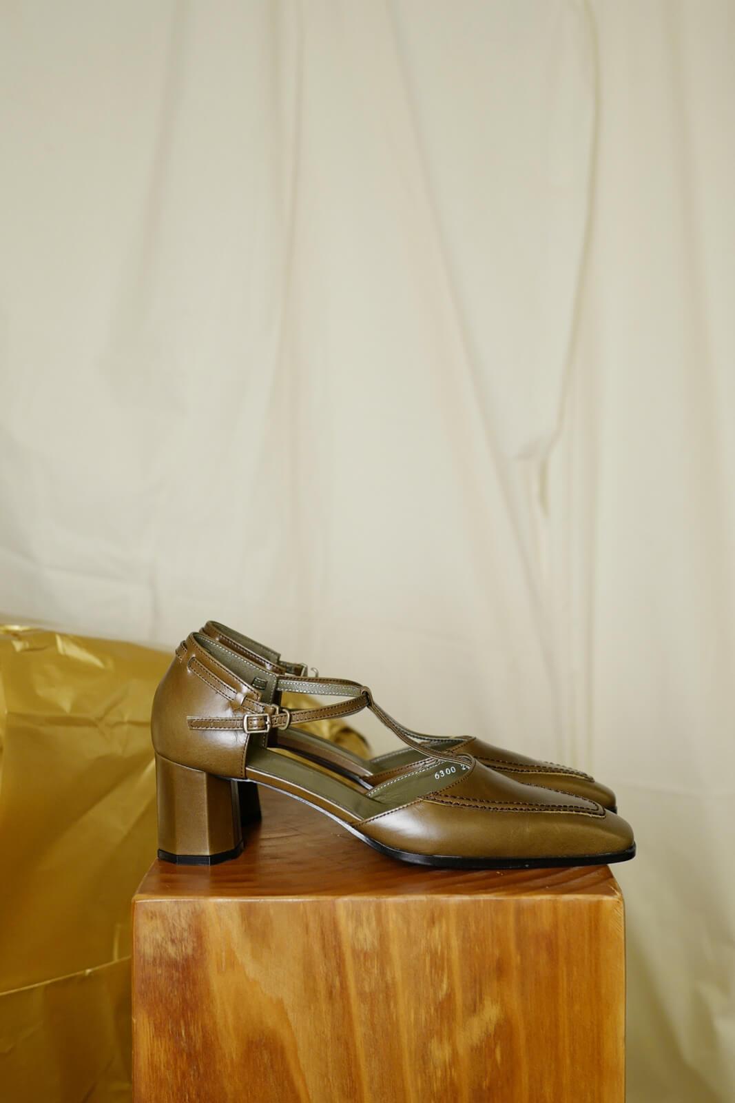 DC Freta heels