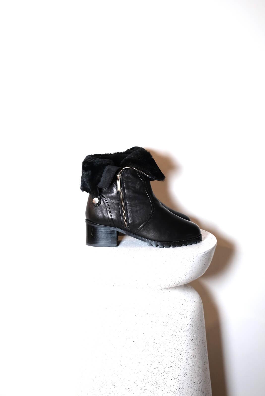 DC羔羊毛登山靴